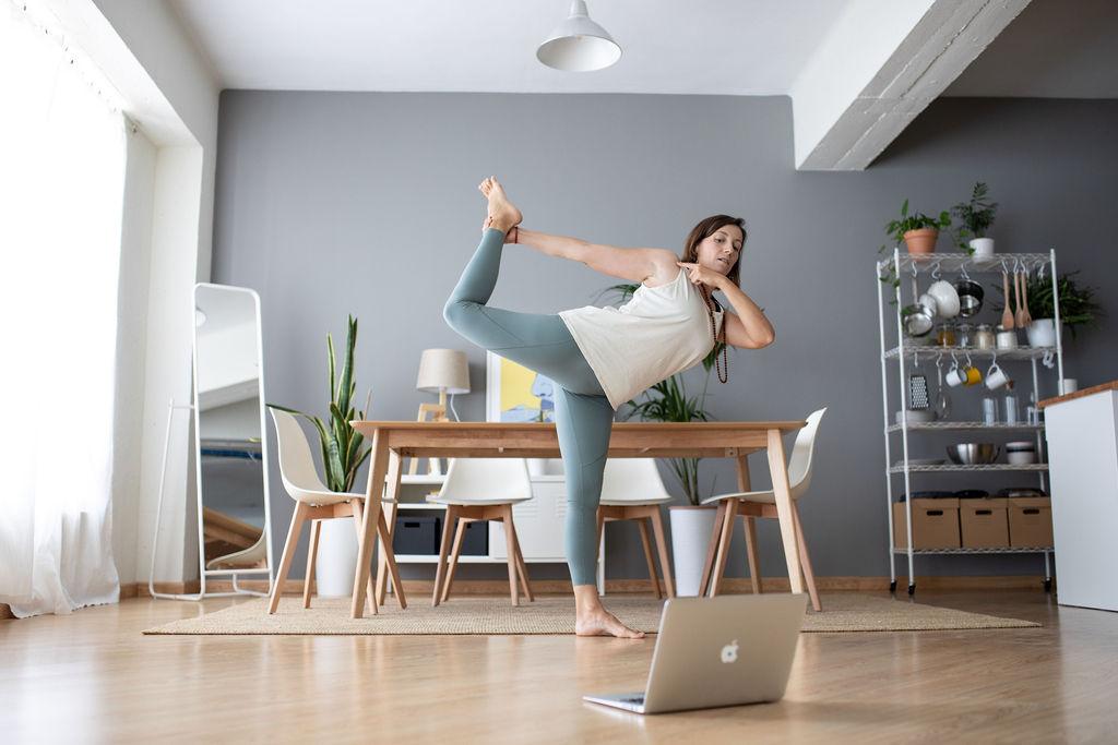 nuria parera clases yoga online